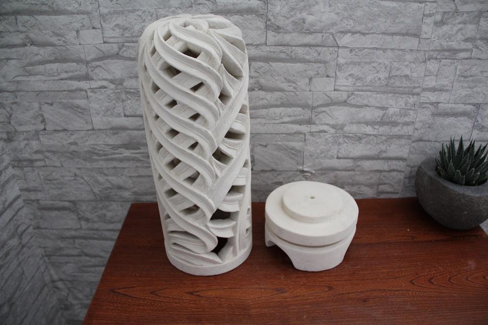 lampada in limestone bianca